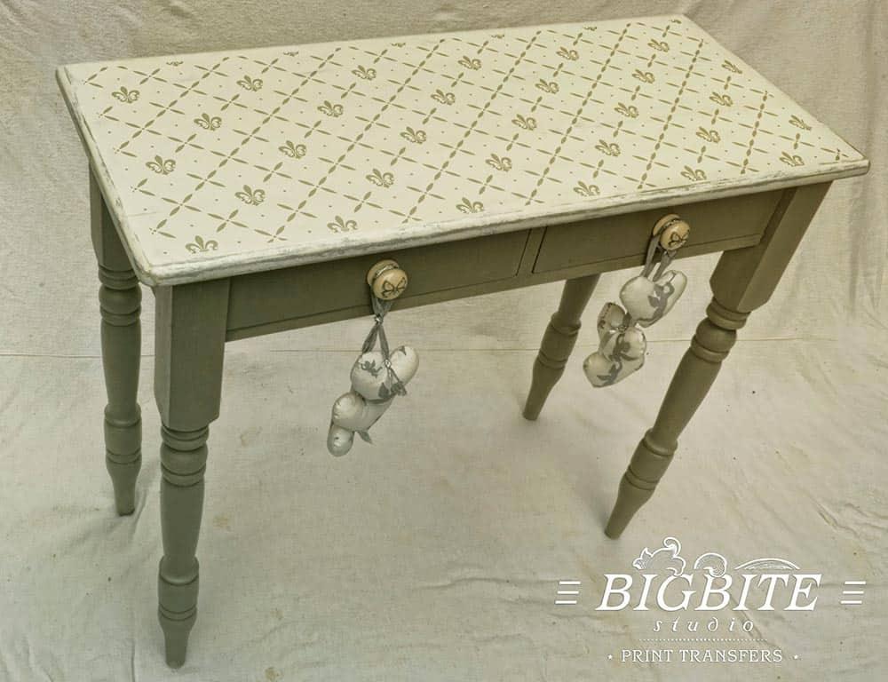 Fleur-de-Lis Cross Pattern Stencil - preview on the table