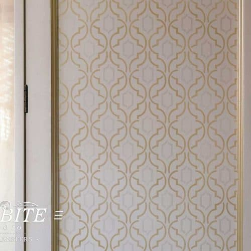 Simple Weave Geometric Pattern - Wallpaper Stencil - preview on a wardrobe